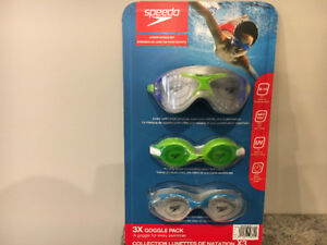 Speedo goggle set