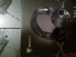 Gaming headset BRAND NEW (PS4 XBOX , PC)