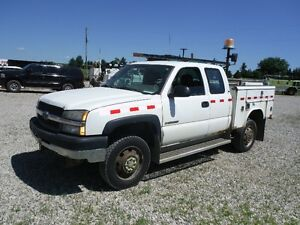2004 CHEV 2500 SERVICE TRUCK ONLY $2750