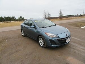 2011 Mazda3 GS Sedan ONLY 96 KM  W 18 MONTH  WARRANTY