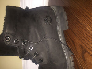 Authentic Like New Black Timberland Boots