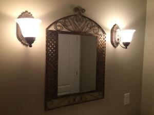 Ensemble miroir et luminaire pour salle de bain