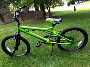 ~Like New~ freestyle bmx bike with rotating front brake 20 inch