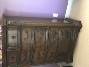 Chest of drawers Mirror Night table
