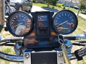 Vintage bike 1983 Honda 750 V45 Magna -Excellent shape low price