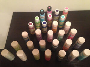 NEW!! 30 BOTTLES OF UNOPENED  QUALITY CRAFT PAINT