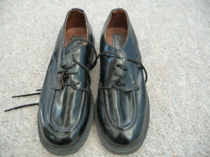 Gently Used Boy's Black Dress Shoes - Size 13