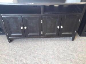 *** USED *** ASHLEY CARLYLE TV STAND   S/N:6145053   #STORE222