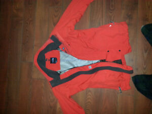 North Face rouge taille small pour femme,manteau hivers