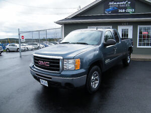 2011 GMC Sierra 220,000 km, LOADED AND INSPECTED