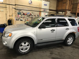 Perfect winter vehicle 2008 Ford Escape XLT