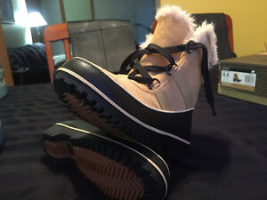 SOREL WINTER BOOTS Size 6  and 6.5