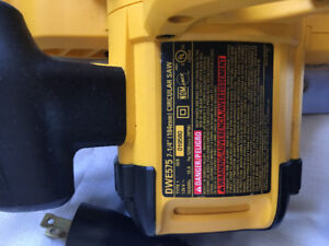 """Never used- Dewalt DWE575 7 1/4"""" blade - straight out of the box"""