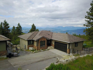 4 BED,4 BATH, 3500 sq ft home just outside of Osoyoos