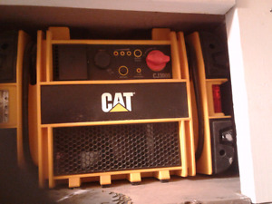 CAT CAR/ TRUCK BATTERY BOOSTER