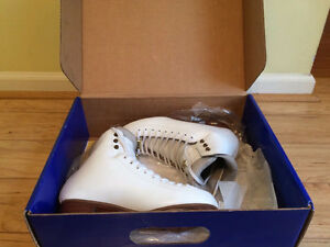 Riedell figure skates size 5 1/2 narrow