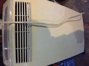 Air conditioner/ fan/ dehumidifier