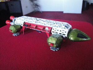 Space 1999 : Dinky 359 Eagle Freighter