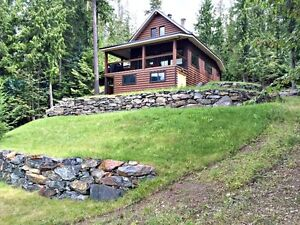 Waterfront Recreational Dream on East Barriere Lake - Freehold