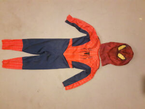 Spiderman Costume w/mask    Size 3/4