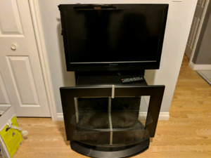 """32""""Dynex Tv with swivel stand"""