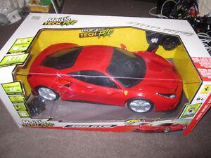 "22"" (56cm) Maisto Ferrari 488 GTB RC Model Car (8+ Years) - Red"