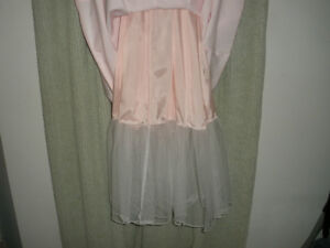 LE CHATEAU Light Pink Formal Dress, Size 10 London Ontario image 5