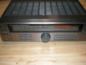 JVC Receiver in excellent condition