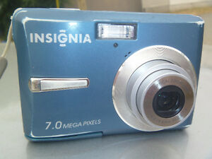 Insignia 7.0-Megapixel Digital Camera