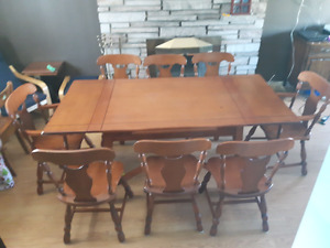 Krug Canadian made solid sturgeon maple dining set