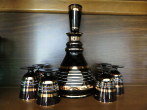 CARAFE WITH 6 MATCHING WINE GOBLETS