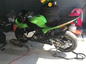 zx10 r 2004 trackbike  a vendre ou echange contre z1000 de route