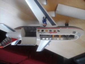 Playmobil airplane avion cargo 4310 avec pilote