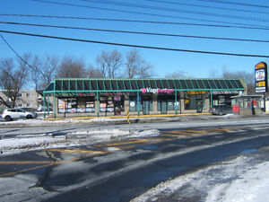 Local Commercial a Louer / Commercial Location for Rent