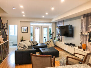 Luxury Upgraded 4 Bedroom Townhome in Maple (Vaughan) For Lease