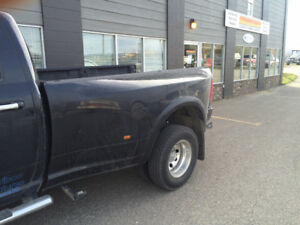 2012 dodge dually 3500 box and tailgate