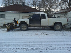 Parting out a 1996 chevy 2500 pickup with plow and pump Kingston Kingston Area image 8