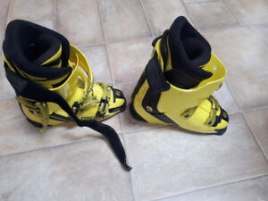Ski Boots; Good Condition; Rossignol Race Pro One size 26-26.5