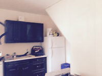 FURNISHED ROOMS IN COBOURG FOR RENT