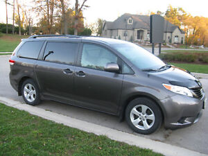 2012 Toyota Sienna V6 5dr 7-Pass FWD 3.5L Kitchener / Waterloo Kitchener Area image 6