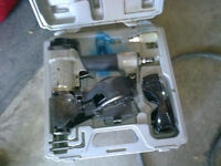 PORTER CABLE AIR ROOFING NAILER KIT & CASE