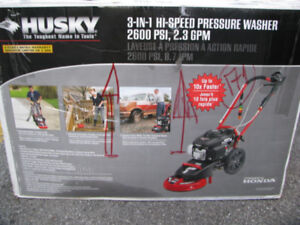 High speed pressure washer Husky powered by Honda 3 in 1