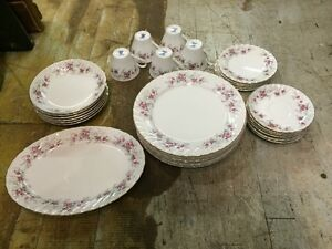 service a vaisselle porcelaine Mounted rose empire china( Japan)