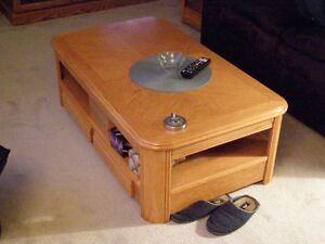 coffe table and end table- excellent shape