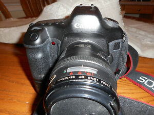 CANON EOS 5D FULL FRAME SLR camera
