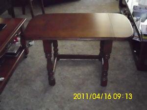 TABLE $40.00 London Ontario image 1