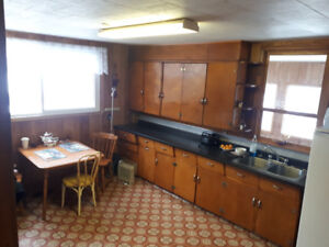 Country Home and Acreage for Rent