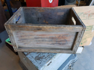 Heavy solid 1950 drewrys beer crate