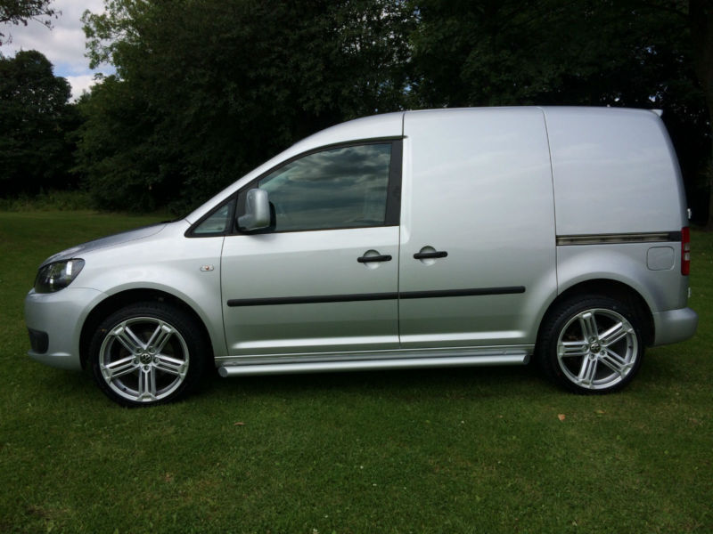2017 Vw Caddy R Line Style In Silver Full Service History Carpeted 1 Owner