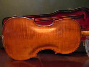 A vintage Guarneri violin with an amazing carved scroll pattern Kitchener / Waterloo Kitchener Area image 5